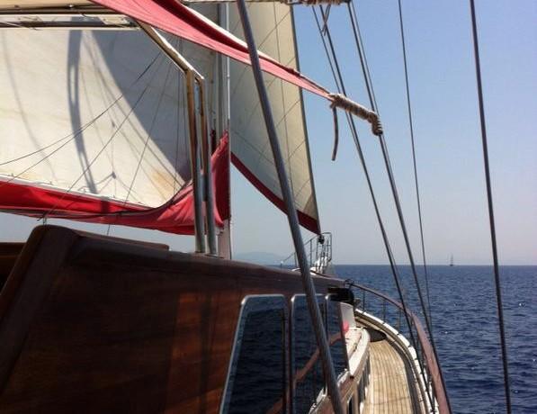 bodrum-mavi-yolculuk-tekne-kiralama-19